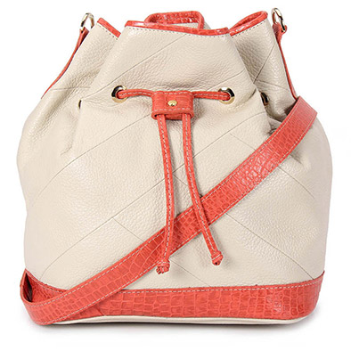 346a9d91b Comprar Bolsa de Couro modelo saco Cesaretti cor gelo | Modacor > O mundo  da moda passa por aqui