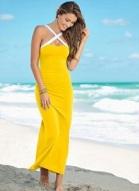 Vestido amarelo longo modelagem justinha com alça em formato de X na frente